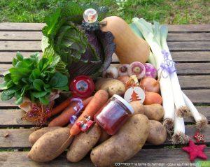 Panier à 30€ (exemple)  :  1 kg de carottes, 1 kg de poireaux, 300g de mâche, 3 kg de patates, 500 g d'oignons, 400g de navets, 1 courge butternut moyenne, 1 chou de Pontoise, 1 petit pot de confiture.